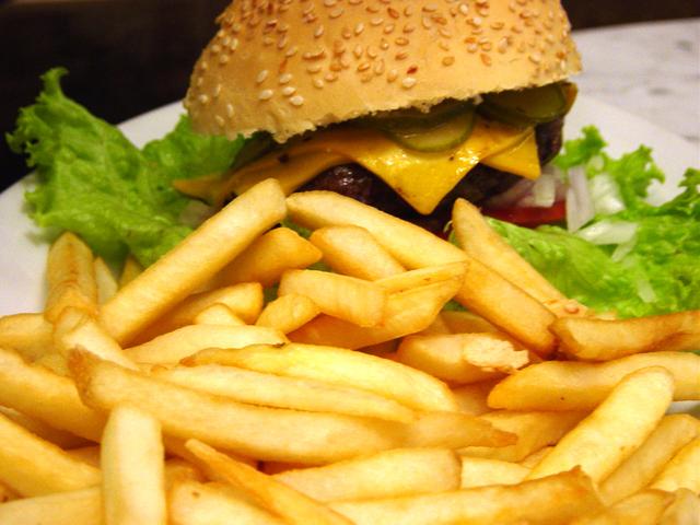 burger 1 1454846 640x480